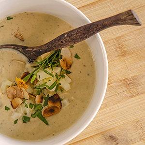 Pastinaken-Suppe Low Carb