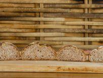 Weizenvollkornbrötchen ohne Kneten mit Sauerteig