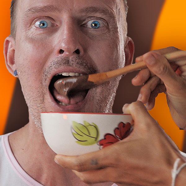 Cremigen Schokoladenpudding selber machen.